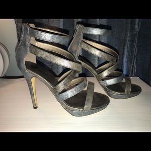 Strappy 4.5 Heel Size 8 in EUC METALLIC TWO TONED